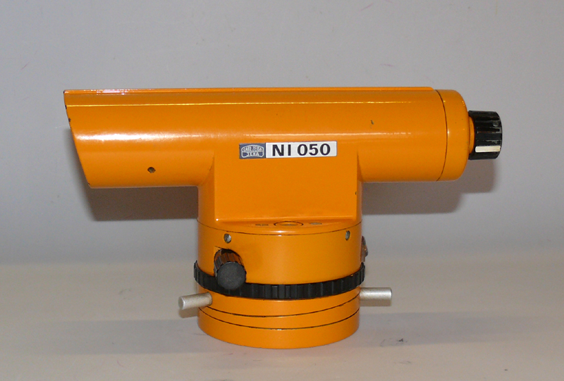 Levelling instrument Ni 050.